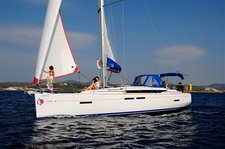 Take this awesome Monohull boat for a spin in Antigua
