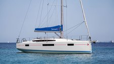 This monohull rental is perfect to enjoy Lefkas, Greece!