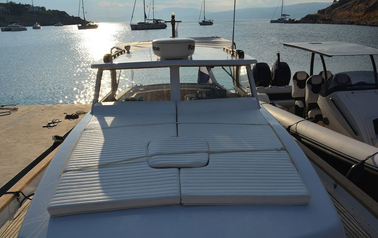 Boating is fun with a Classic in Hydra