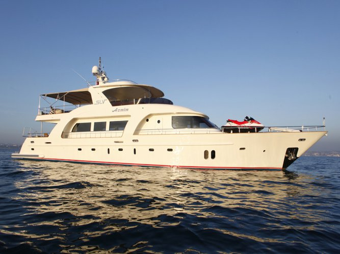 Hop aboard this amazing motor boat rental in Bodrum!