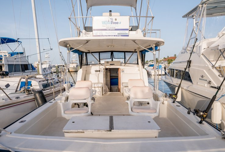 Saltwater fishing boat for rent in Nassau