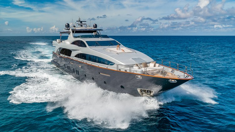 116ft Azimut- Luxury Private Yacht-6 Crew and 32ft tender included