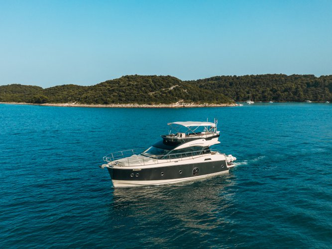 All you need to do is relax and have fun aboard the Beneteau Monte Carlo 5