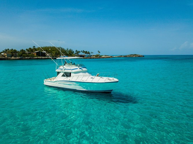 Boat rental in Nassau,