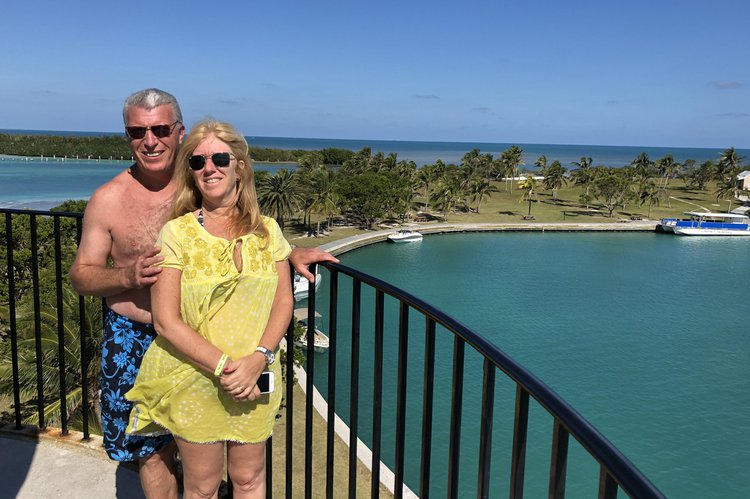 Discover Miami surroundings on this Zaffiro Cranchi boat