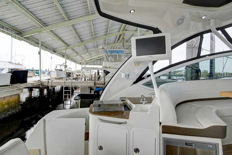 Cruiser boat for rent in Tarpon Springs