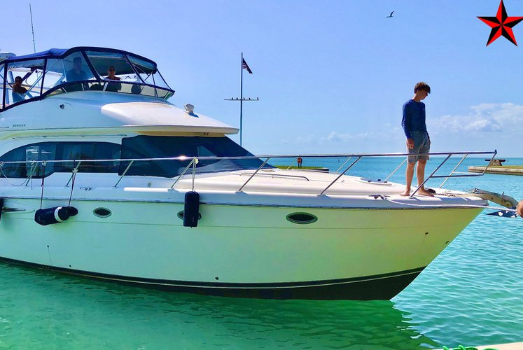 Boating is fun with a Cruiser in Miami