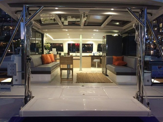 Discover Nouvelle Calédonie surroundings on this 4.3 Bali boat