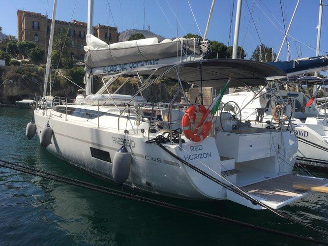 Jump aboard this beautiful Bavaria Yachtbau Bavaria C45