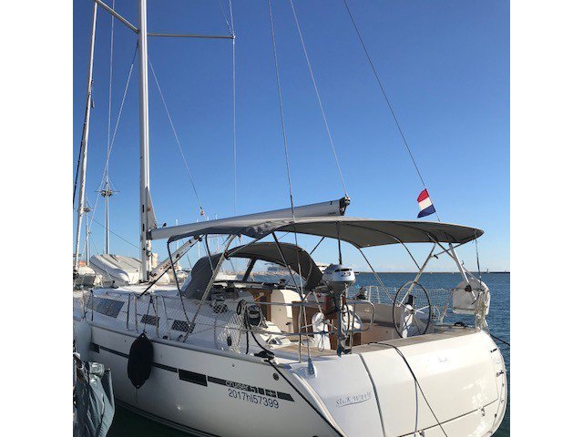 Charter this amazing sailboat in Golfo Aranci