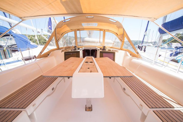 Up to 8 persons can enjoy a ride on this Dufour boat