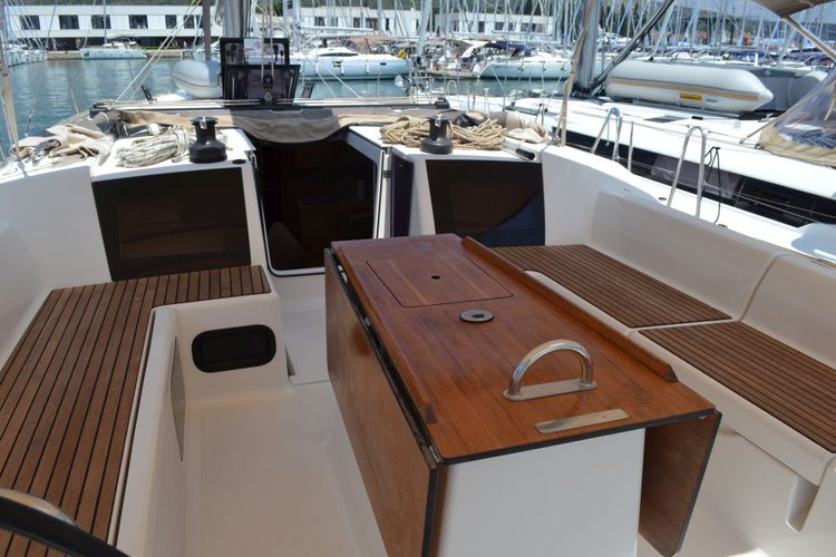 Up to 12 persons can enjoy a ride on this Dufour boat