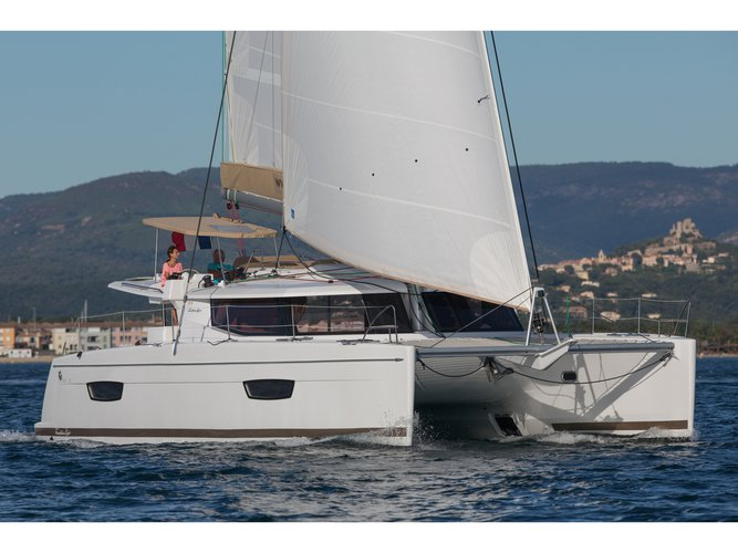 Take this Fountaine Pajot Helia 44 Evolution for a spin!