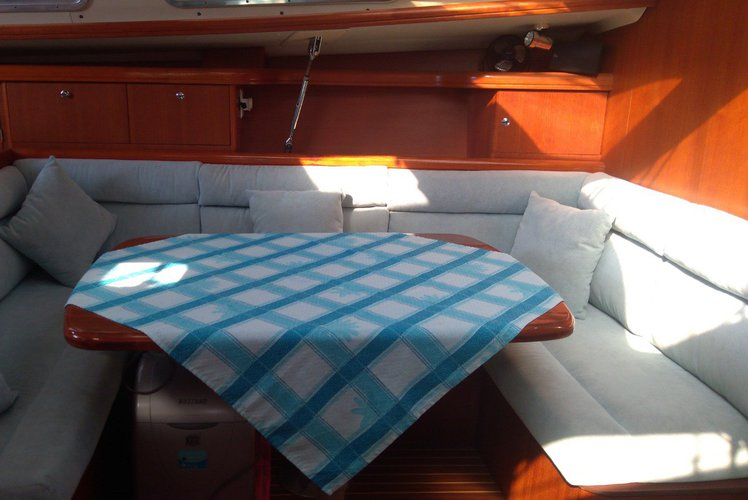 Cruiser boat for rent in Fethiye