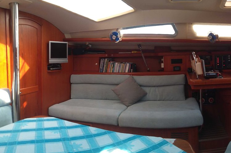 Discover Fethiye surroundings on this LEGEND 44 HUNTER boat