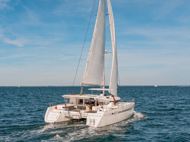 Hop aboard this amazing sailboat rental in Denia!