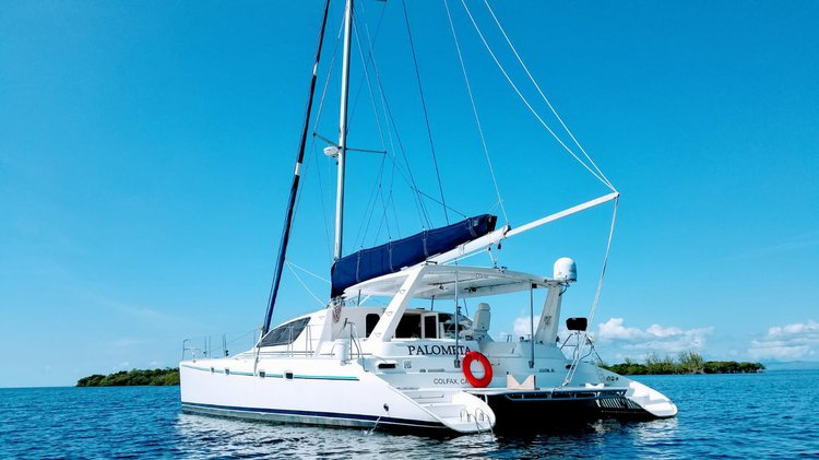 This 47.0' Leopard cand take up to 6 passengers around Belize City