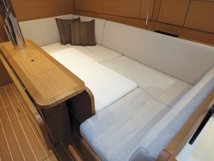 Discover Nosy Be surroundings on this 379 Sun Odyssey boat