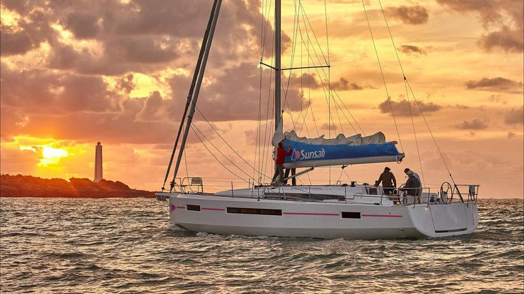 Discover Procida surroundings on this 490 Sun Odyssey boat