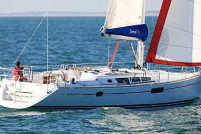 Discover Procida surroundings on this 44 Sunsail boat
