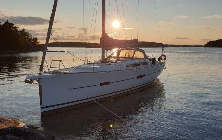 Monohull boat rental in Saltsjö Pir Marina, Sweden