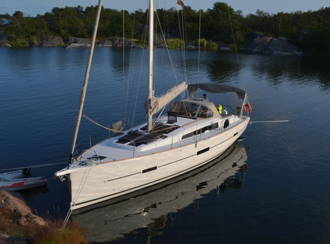 Discover Saltsjöbaden surroundings on this 460 GL Dufour boat