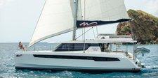 Explore Belize onboard this luxurious 50' catamaran