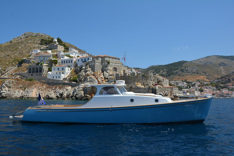 Daily Trip to Hydra round the Island with Lobster Classic 38 Dixon Design