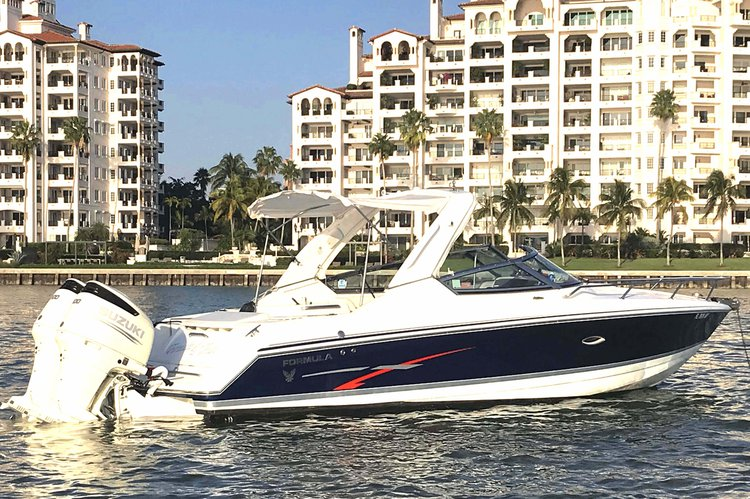 Cruiser boat rental in Miami Beach, FL