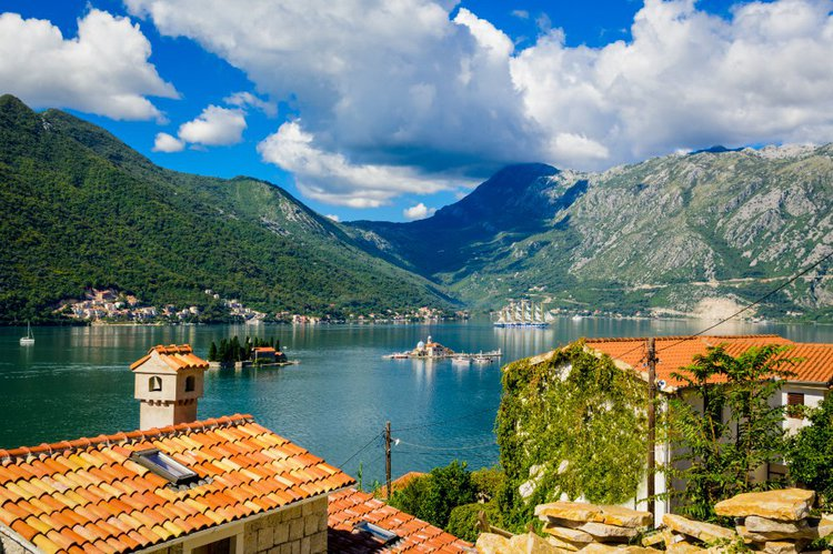 Jeanneau boat for rent in kotor