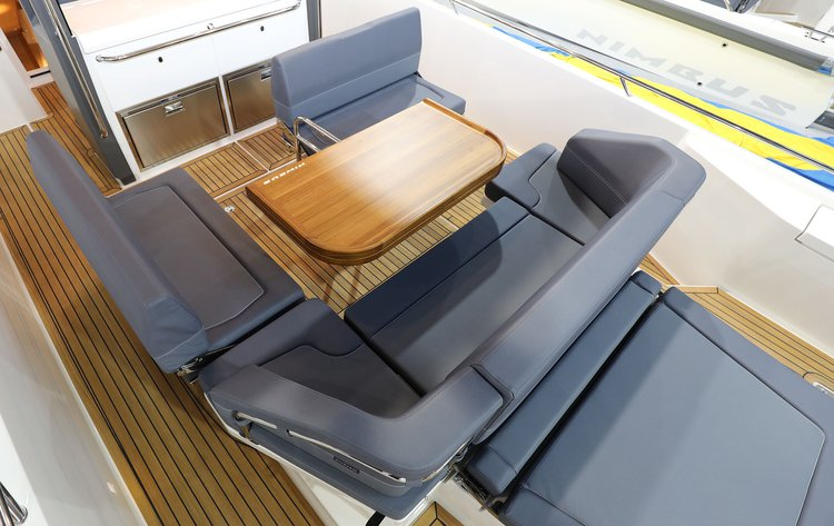 Cruiser boat for rent in Athens-Hellinikon
