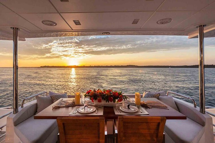 Discover Sag Harbor surroundings on this 84 Azimut boat
