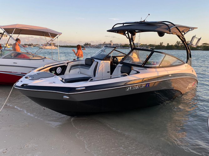 Boat for rent YAMAHA 24.0 feet in Miami Beach, FL