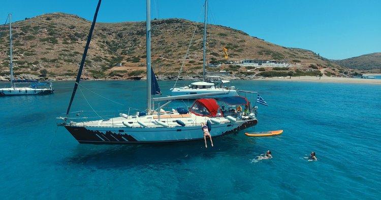 Monohull boat rental in Paros, Greece