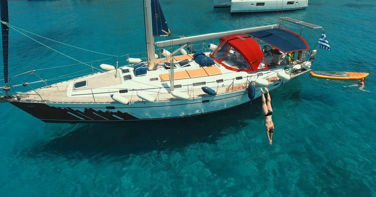 Boating is fun with a Monohull in Paros