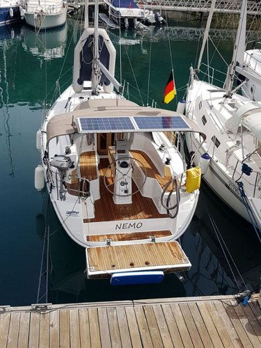 This 32.0' Bavaria Yachtbau cand take up to 4 passengers around Aegean