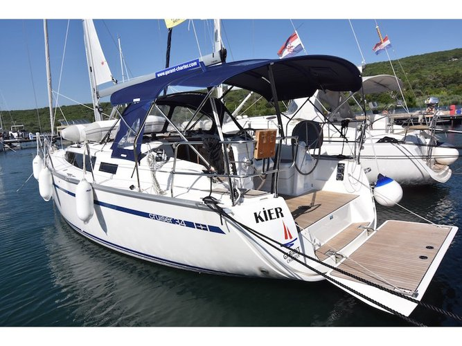 Charter this amazing Bavaria Yachtbau Bavaria Cruiser 34 in Punat, Krk, HR