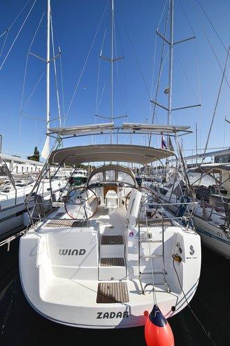 Discover Zadar region surroundings on this Oceanis 40 Bénéteau boat