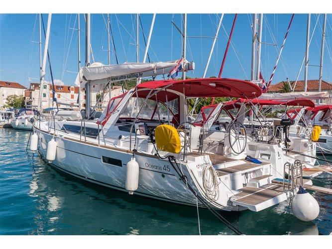 Sail Split, HR waters on a beautiful Beneteau Oceanis 45