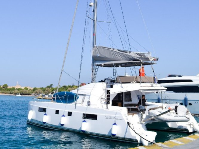 Climb aboard this Catamarans Nautitech Nautitech 46 Fly for an unforgettable experience