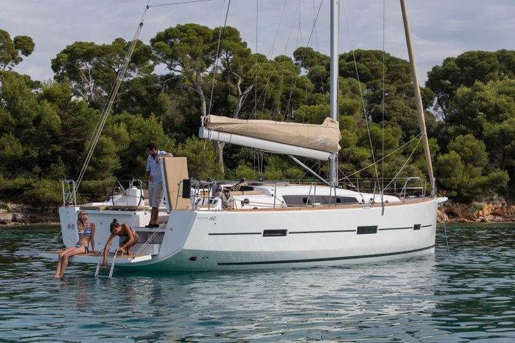 Unforgettable holiday experience aboard amazing Dufour 460