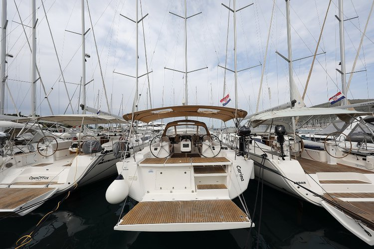 Enjoy luxury and comfort on this Dufour Yachts Dufour 460 GL in Split region
