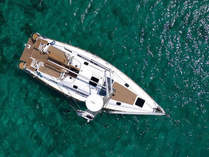 This sailboat charter is perfect to enjoy Pirovac