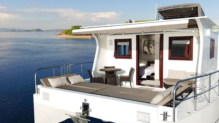 Catamaran boat for rent in Bali