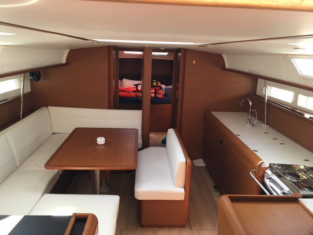 Enjoy luxury and comfort on this Jeanneau Sun Odyssey 519 in Palma de Mallorca