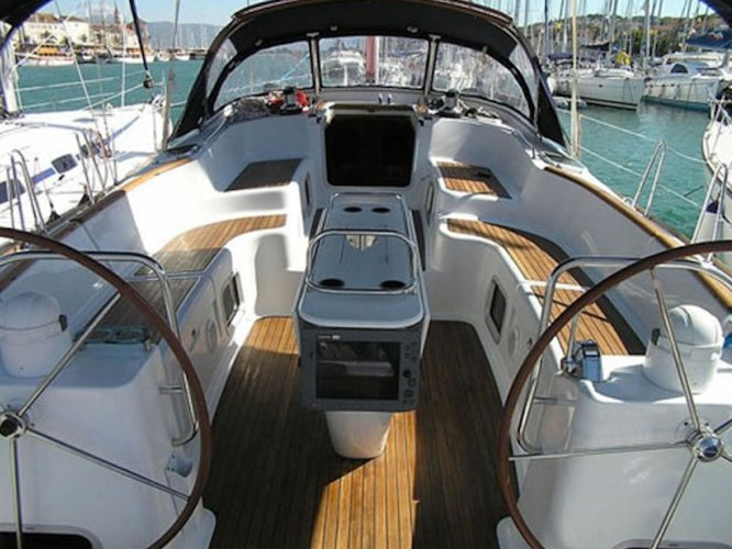 Discover Leuca in style boating on this sailboat rental
