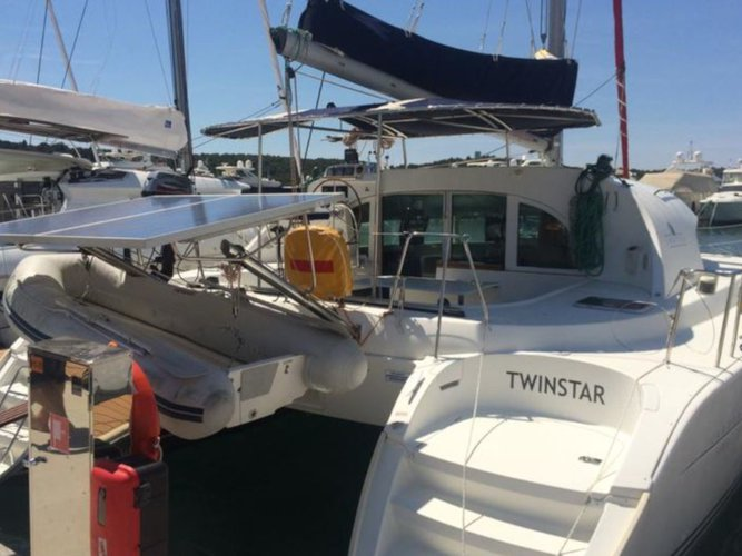Rent this Lagoon Lagoon 380 (4+2 cab.) for a true nautical adventure
