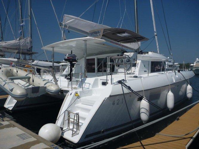 Enjoy Šibenik, HR to the fullest on our comfortable Lagoon Lagoon 421 (4+1 cab.)