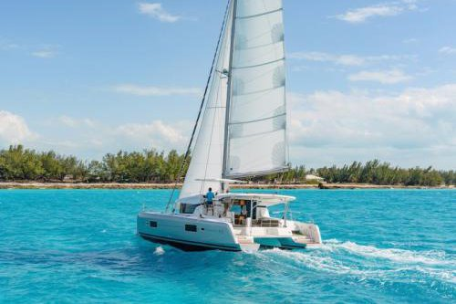 Discover U.S Virgin Islands in style aboard this amazing Lagoon 42