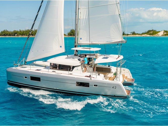 Unique experience on this beautiful Lagoon Lagoon 42